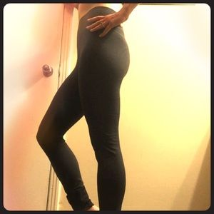 lululemon athletica Pants - Lululemon yoga leggings